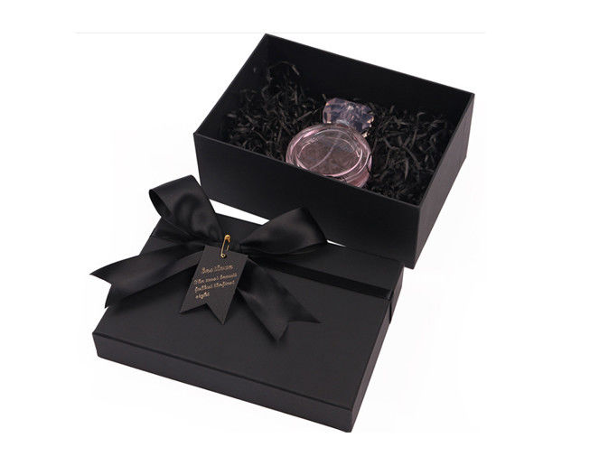 Luxury Hard Cardboard Custom Cosmetic Packaging Boxes With Color Printing